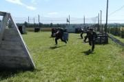 trois joueurs font un assault au paintball à Toulouse