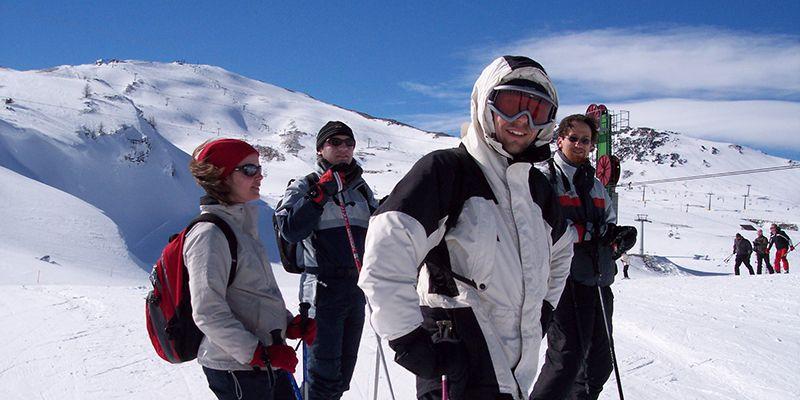 un groupe lors d'une randonnée en ski proche de Toulouse