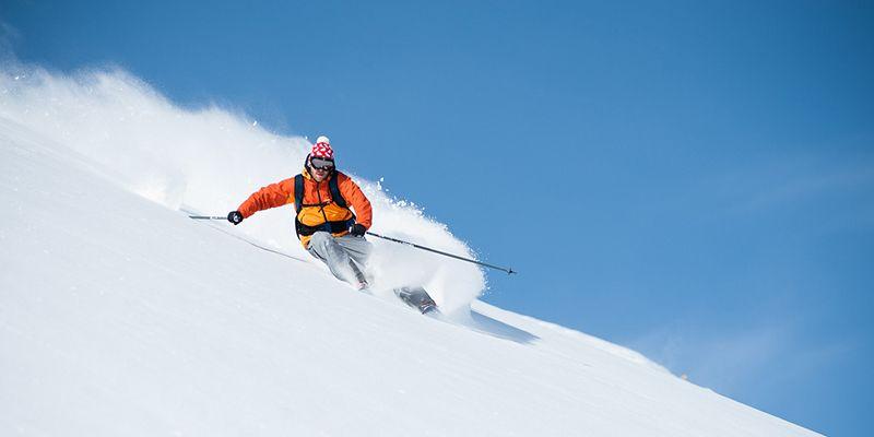 un skieur lors d'une sortie ski hors piste proche de Toulouse